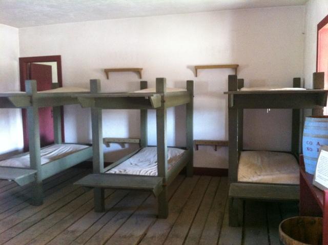 03_single barracks